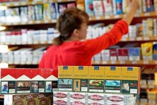 Tabac: le paquet à dix euros inquiète les buralistes en France