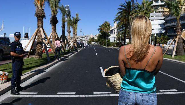La Côte d'Azur veut oublier l'horreur
