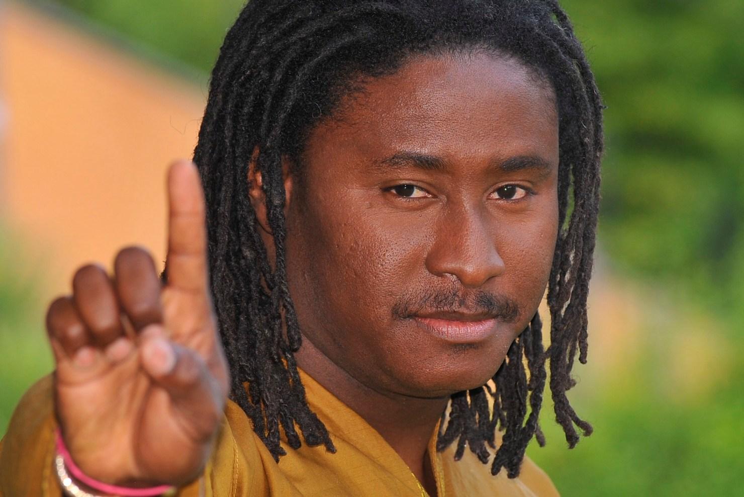«Le 3éme mandat est une insulte à l'intelligence des gens» dit le rappeur Awadi