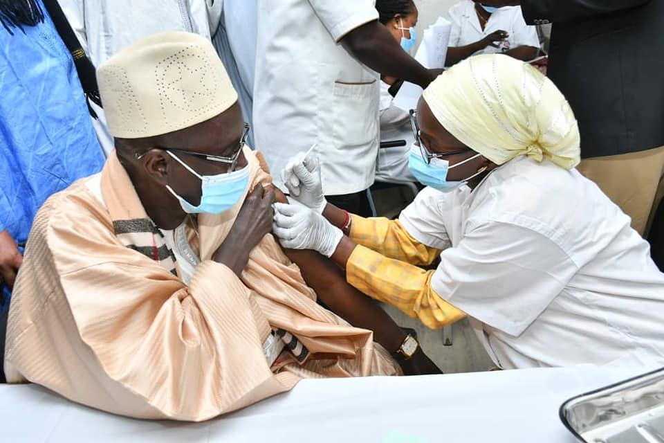 Covid-19 : Plus de 4 000 Sénégalais déjà vaccinés (Ministre de la santé)