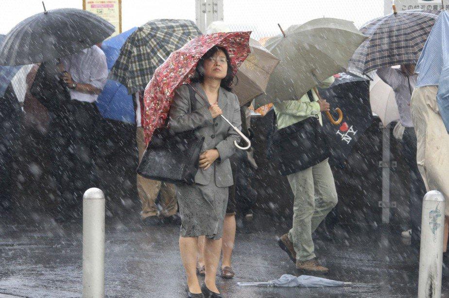 un-puissant-typhon-se-dirige-vers-tokyo-la-presse-afp-httpst-coipvy4jkhxg-httpst-coicjodq4glt