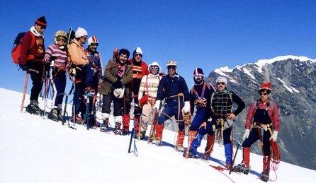 El Pastoruri, uno de los nevados emblemáticos de la zona, se retiró casi dos kilómetros en los últimos 20 años. Allí se realizaban deportes de invierno. Pero, actualmente, sólo se pueden observar pequeños picos de hielo. Por ello el Sernanp, con la finalidad de protegerlo, ha dispuesto restringir las visitas hacia ciertas zonas del nevado. (Foto: Sernanp)