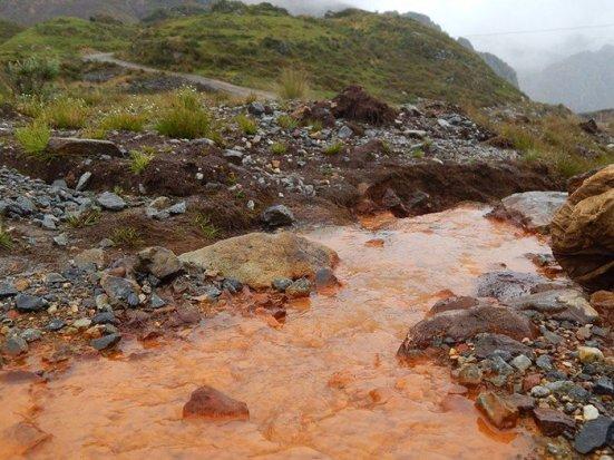 Contaminación agua Hualgayoc. Foto: Grufides