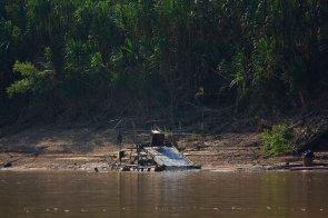 Minería ilegal_dragas_río Madre de Dios 9