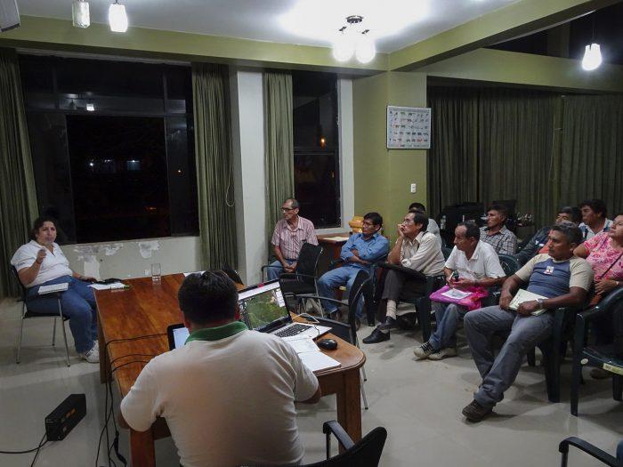 Reunión entre representantes de Serfor y reforestadores de Madre de Dios