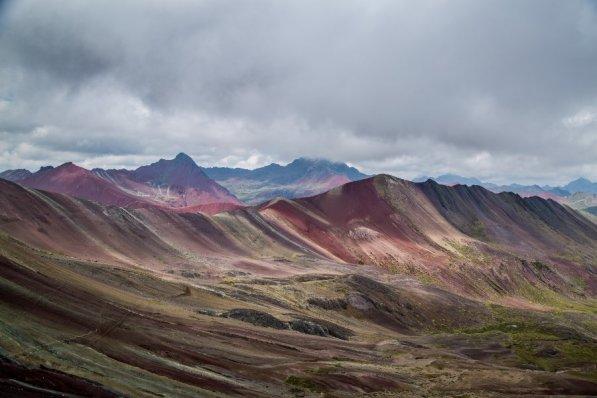 En el distrito de Pitumarca, a unos 100 kilómetros al sureste de Cusco, en la Cordillera del Vilcanota (5200 msnm), se encuentra la montaña Vinicunca, también conocida como Siete Colores o Arcoíris. Foto: Carmen Contreras / SPDA