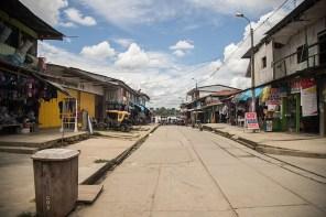 10.- Aunque no muy grande, por su cercanía a Iquitos es un importante punto comercial que abastece de productos a las comunidades de la cuenca del río Napo.