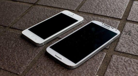 galaxy s4 vs iphone5 El iPhone 5 es el móvil más odiado que hay actualmente