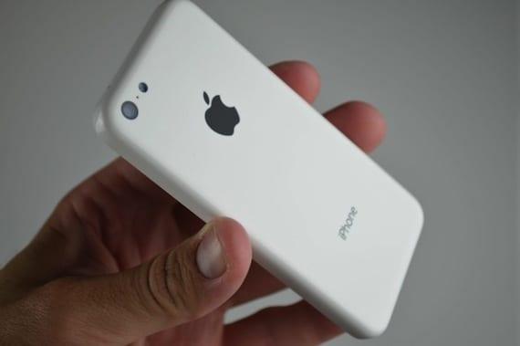 Apple iPhone 5C 57 640x426 El iPhone 5C ayudaría a Apple a combatir a Samsung en China
