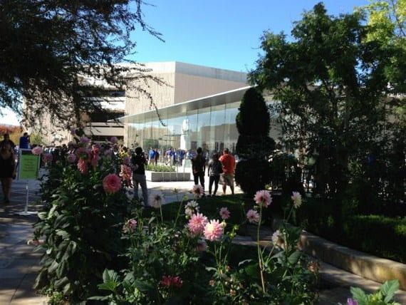 apple store 2 Copiar Imágenes de la apertura de la Apple Store Stanford 2