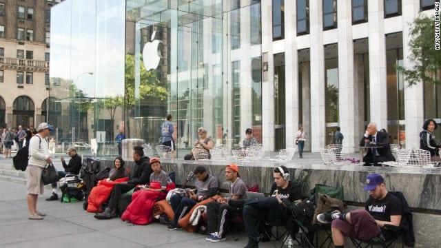 lanzamiento iphone Las ventas del iPhone 5s se iniciarán a las 12AM online y a las 8 am en tiendas de Apple
