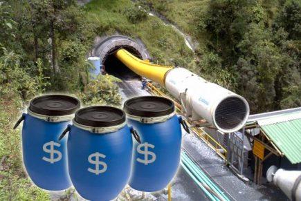 en barriles como estos estaba enterrada la millonaria suma que aún se desconoce.