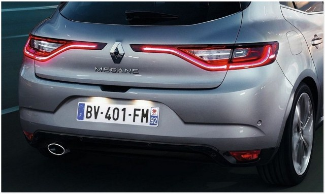 12-Renault-Megane-4
