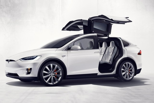Tesla_Motors_Model_X_Crossover_2015_b7648-1200-800