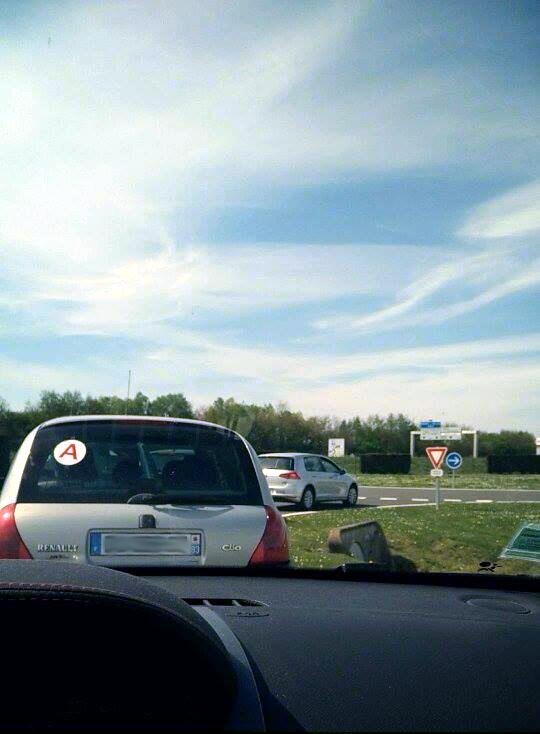 L'après-midi, nous passons avec nos propres voitures ... La pression monte !