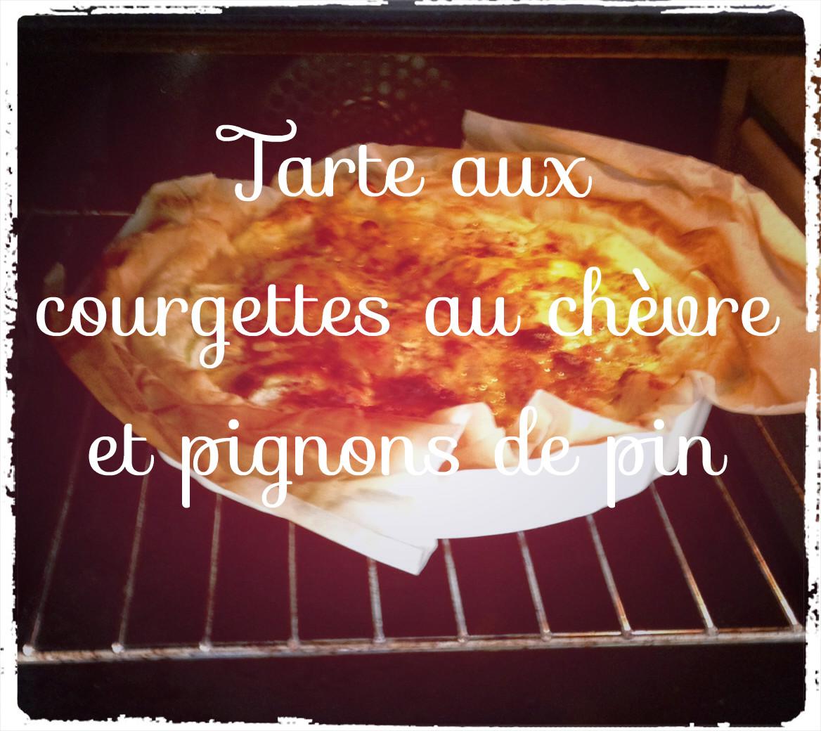 You are currently viewing Recette de tarte aux courgettes au chèvre et pignons de pin