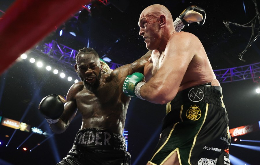 Tyson Fury vs Deontay Wilder 3 est reporté