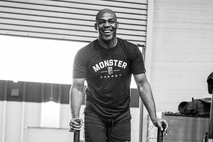 jon jones poids lourds UFC