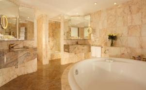 salle de bain Swisshotel suite
