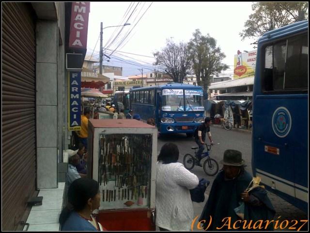 Buses. Av. Pérez Guerrero. Ibarra. Foto: Acuario27