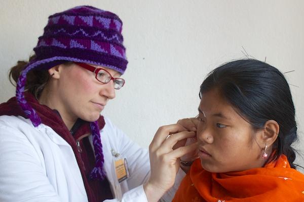 Lindsey Thompson   Acupuncture Volunteer