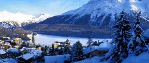 ENGADIN ST. MORITZ - St. Moritz, der weltberuehmte Ferienort auf 1'856 m.ue.M. 5'600 Einwohner, 5'600 Hotelbetten in 40 Hotels (ueber 50 % in 4- und 5-Stern Kategorie), 7'300 Betten in Ferienwohnungen, wobei 2'900 vermietet werden.  350 km Ski- und Snowboardpisten, 55 Bergbahnen, 180 km Langlaufloipen, 150 km Winterwanderwege. 150 attraktive Veranstaltungen pro Saison. Grosses, z.T. weltweit einmaliges Sportangebot.  St. Moritz, the famous holiday resort at 1,856 m. altitude. 5,600 inhabitants, 5,600 hotel beds in 40 hotels (over 50% in the 4- and 5-star categories), 7,300 beds in holiday apartments, of which 2,900 are rented out. 350 km. skiing and snowboarding runs, 55 mountain lifts and railways, 180 km. cross-country skiing trails, 150 km. winter hiking trails. 150 exciting events each season. Virtually unique in the world for its broad sports offering.  Copyright by ENGADIN St. Moritz By-line: swiss-image.ch/Christof Sonderegger