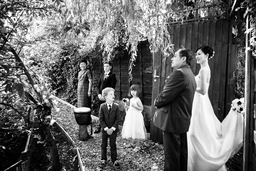 Home garden wedding photographer0005