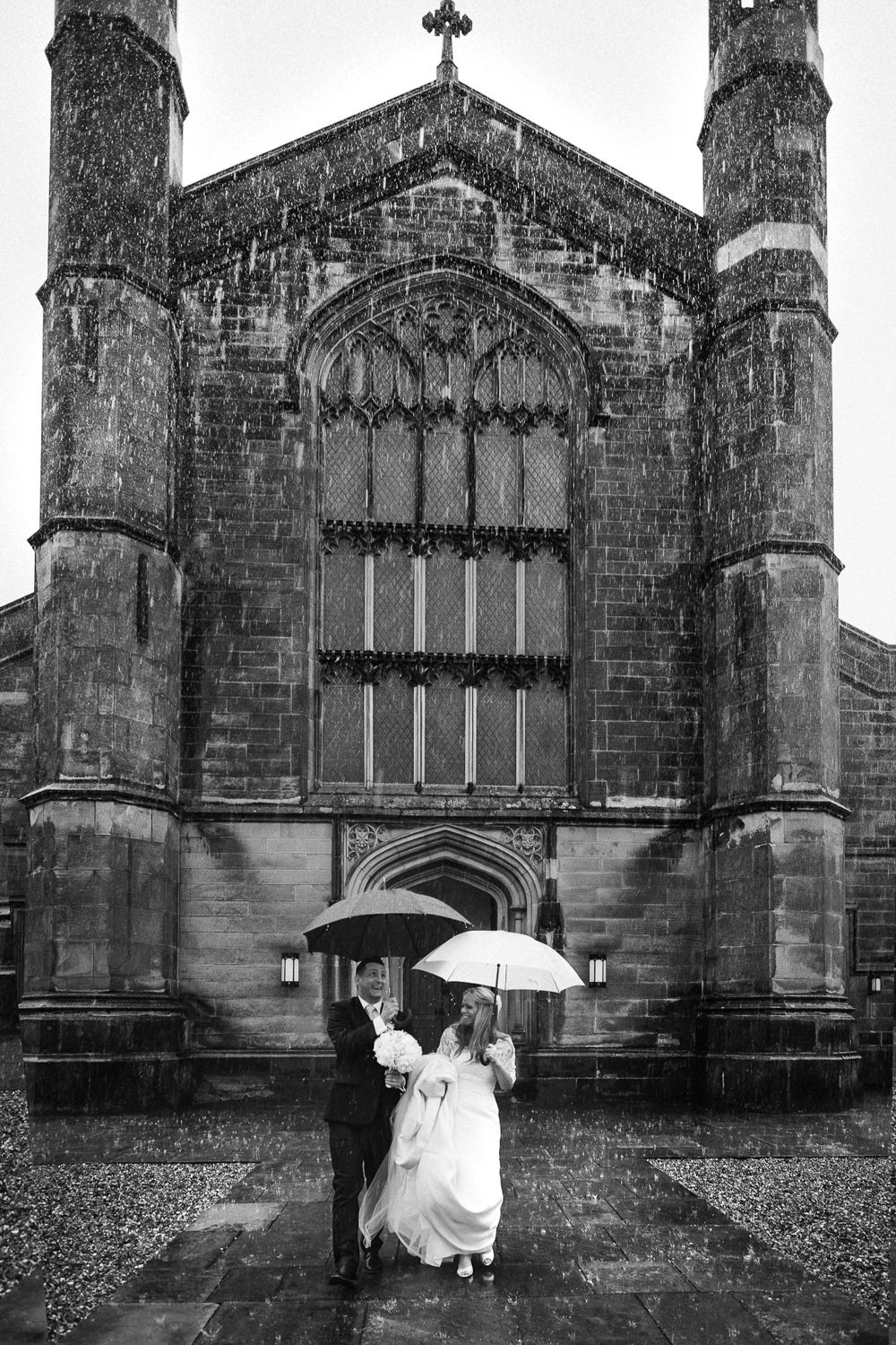 rain wedding day photo