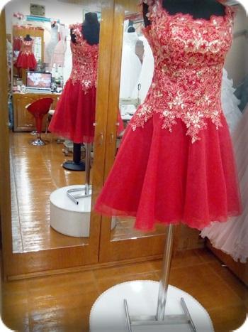 Parlak Kırmızı kına kıyafeti