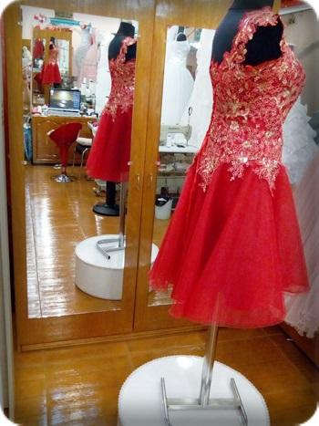 Düşük kol Kırmızı kına kıyafeti