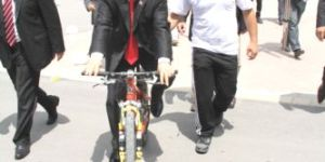 Bisikletli Vali