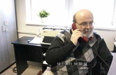 Tóth László az Irodalmi Szemle 2011/1. számát mutatja be