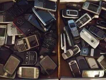 Magmic Drawer of Phones