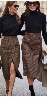 Modest But Classy Skirt Outfits Ideas Suitable For Fall04