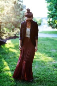 Modest But Classy Skirt Outfits Ideas Suitable For Fall37