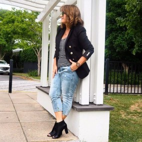 Amazing Looks For Over 40 Women Inspiration33