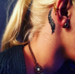 Awesome Feather Tattoo Ideas16