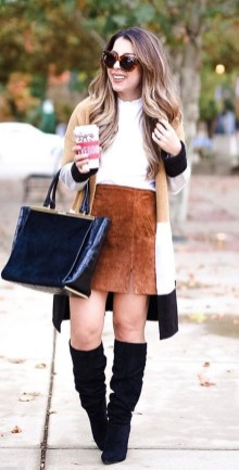 Cute Forward Fall Outfits Ideas To Update Your Wardrobe26
