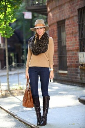 Cute Forward Fall Outfits Ideas To Update Your Wardrobe27