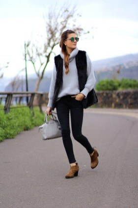 Cute Winter Outfits Ideas To Copy Right Now34