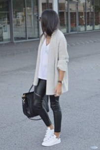 Stunning Fall Outfits Ideas To Update Your Wardrobe16