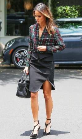Stunning Work Office Outfit Ideas18