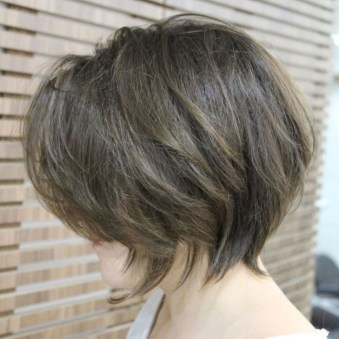 Cute Layered Bob Hairstyles Ideas19