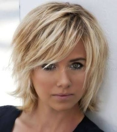 Cute Layered Bob Hairstyles Ideas27