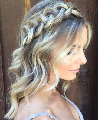 Perfect Wedding Hairstyles Ideas For Long Hair18