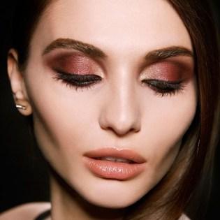 Stunning Shimmer Eye Makeup Ideas 201819