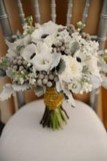 Casual Winter White Bouquet Ideas22