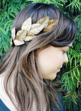 Charming Diy Winter Crown Holiday Party Ideas08