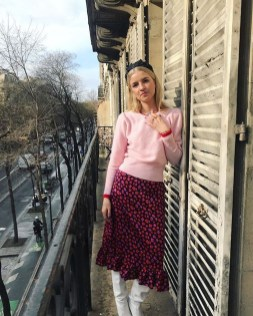 Elegant Midi Skirt Winter Ideas41