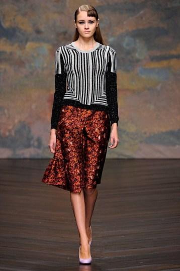 Elegant Midi Skirt Winter Ideas47